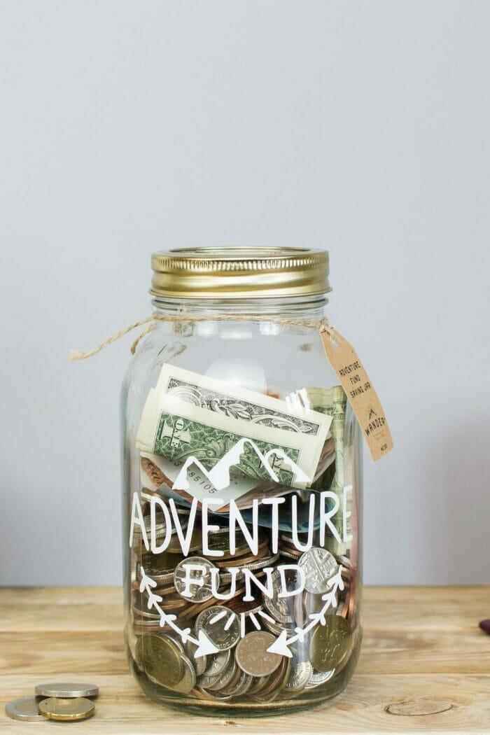 25 Smart Ways to Save Money on Travel