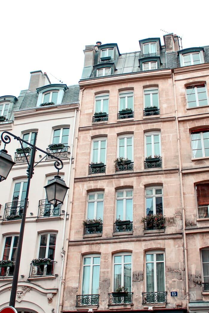 Paris Neighborhood Guide: Where to Stay