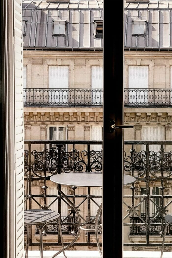 French Etiquette: 7 Tips to Know Before Going to France